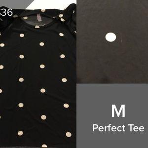BLACK AND WHITE MEDIUM PERFECT TEE